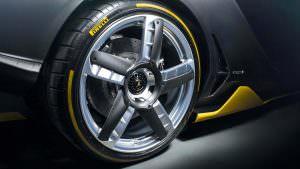 Колеса с покрышками Pirelli у Lamborghini Centenario LP 770-4