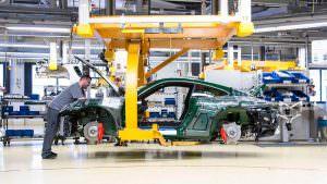 Конвейер на заводе в Цуффенхаузене. Миллионный Порше 911