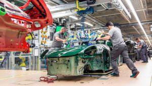 Конвейер на заводе в Цуффенхаузене. Миллионная Порше 911