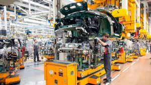 Фото | Конвейер на заводе в Цуффенхаузене в 2017 году