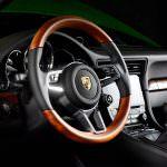 Руль миллионного Porsche 911 Carrera S. 2017 год
