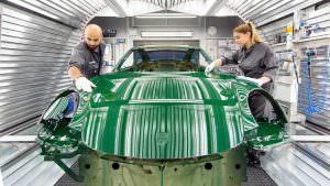 Проверка дефектов кузова Porsche 911 Carrera S