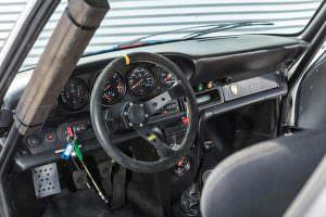 Салон с каркасом безопасности Porsche 934/5 Martini Racing