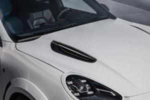 Вентиляция капота Porsche Cayenne от TechArt