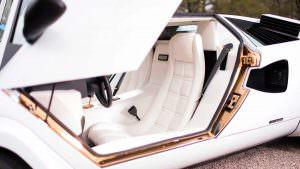 Позолоченные дверные пороги Lamborghini Countach 1987 года