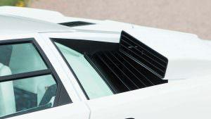 Воздухозаборники двигателя Lamborghini Countach 1987 года