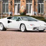 Белый Lamborghini Countach 1987 года выпуска