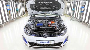 Под капотом универсала Volkswagen Golf GTE Estate impulsE
