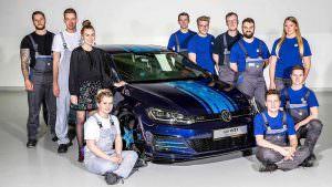 Стажёры VW и хэтчбек Golf GTI First Decade 2017 года