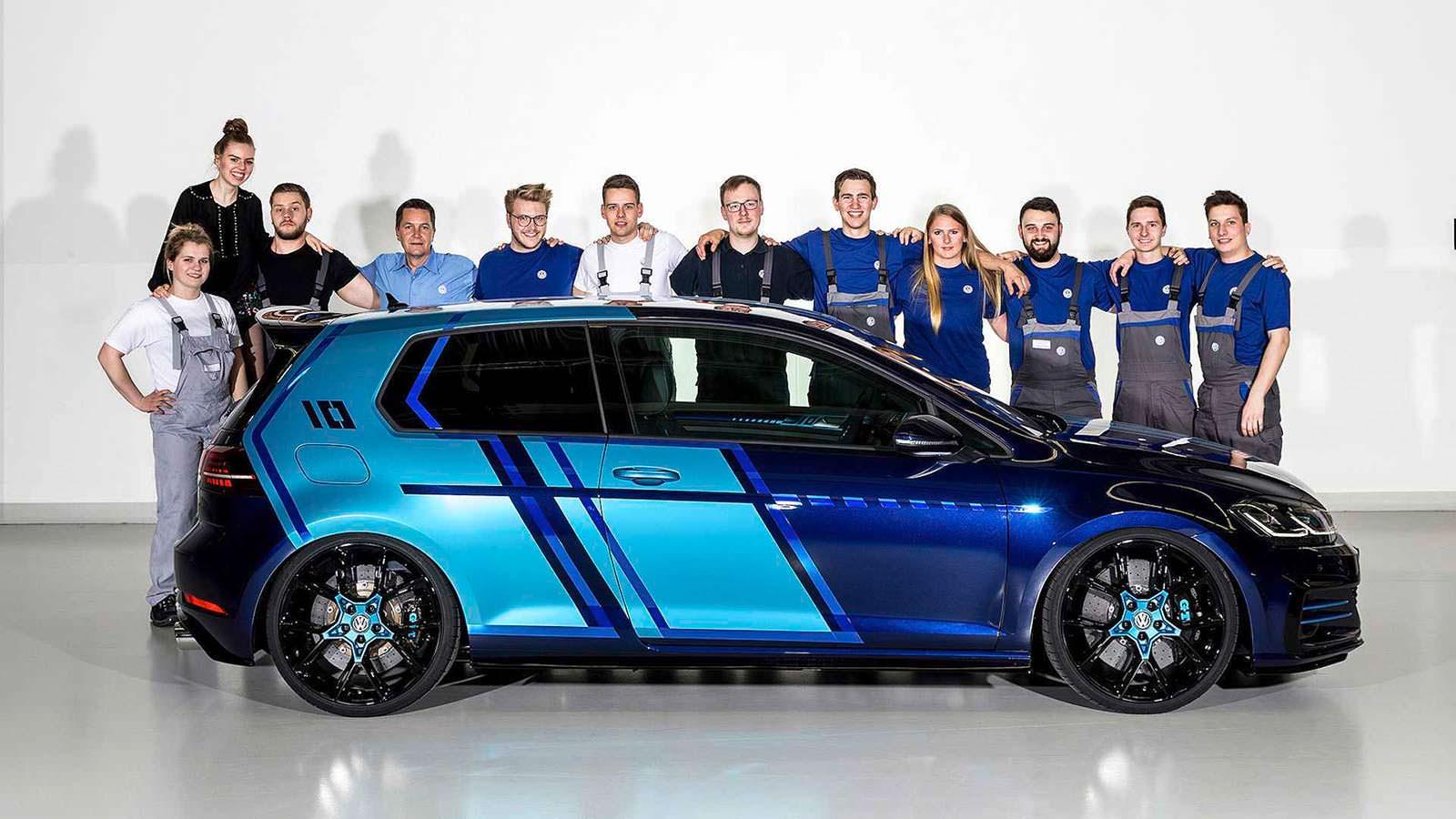 Стажёры VW в 2017 году: хэтчбек Golf GTI First Decade