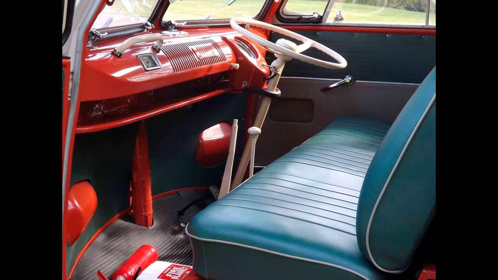 Оригинальный салон Volkswagen T1 Samba 1959 года выпуска