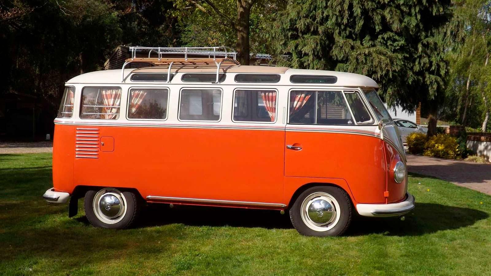 Туристический микроавтобус Volkswagen T1 Samba 1959 года