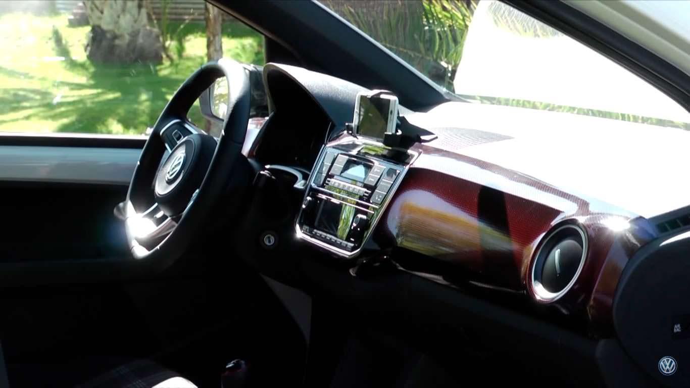 Фольксваген  презентовал «заряженный» компакт-кар Up! GTI