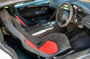 Фото салона Lamborghini Murcielago SV 2010 года