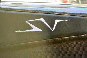 Надпись SV в салоне Lamborghini Murcielago SV 2010 года