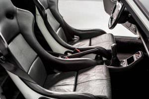 Спортивные сиденья-ковши Porsche 911 Carrera RS 3.8