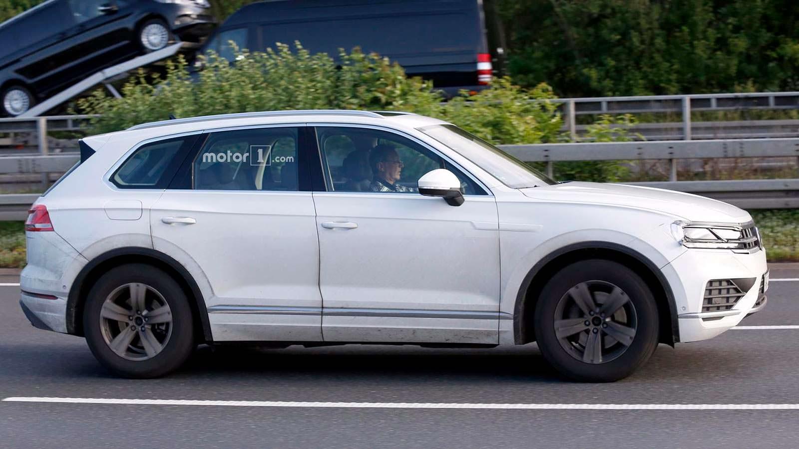 Новый Volkswagen Touareg на дорожных испытаниях