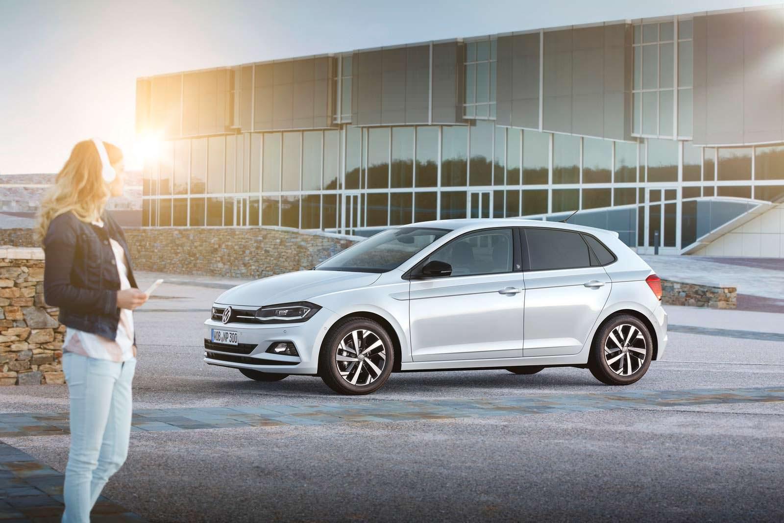 Белый Volkswagen Polo Beats. 2018 модельный год