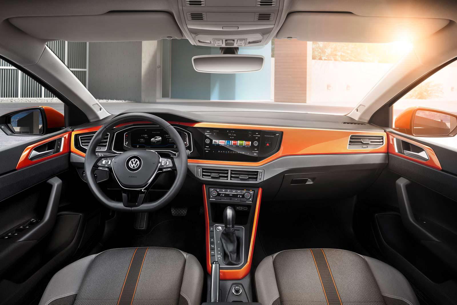 Фото салона Volkswagen Polo нового поколения