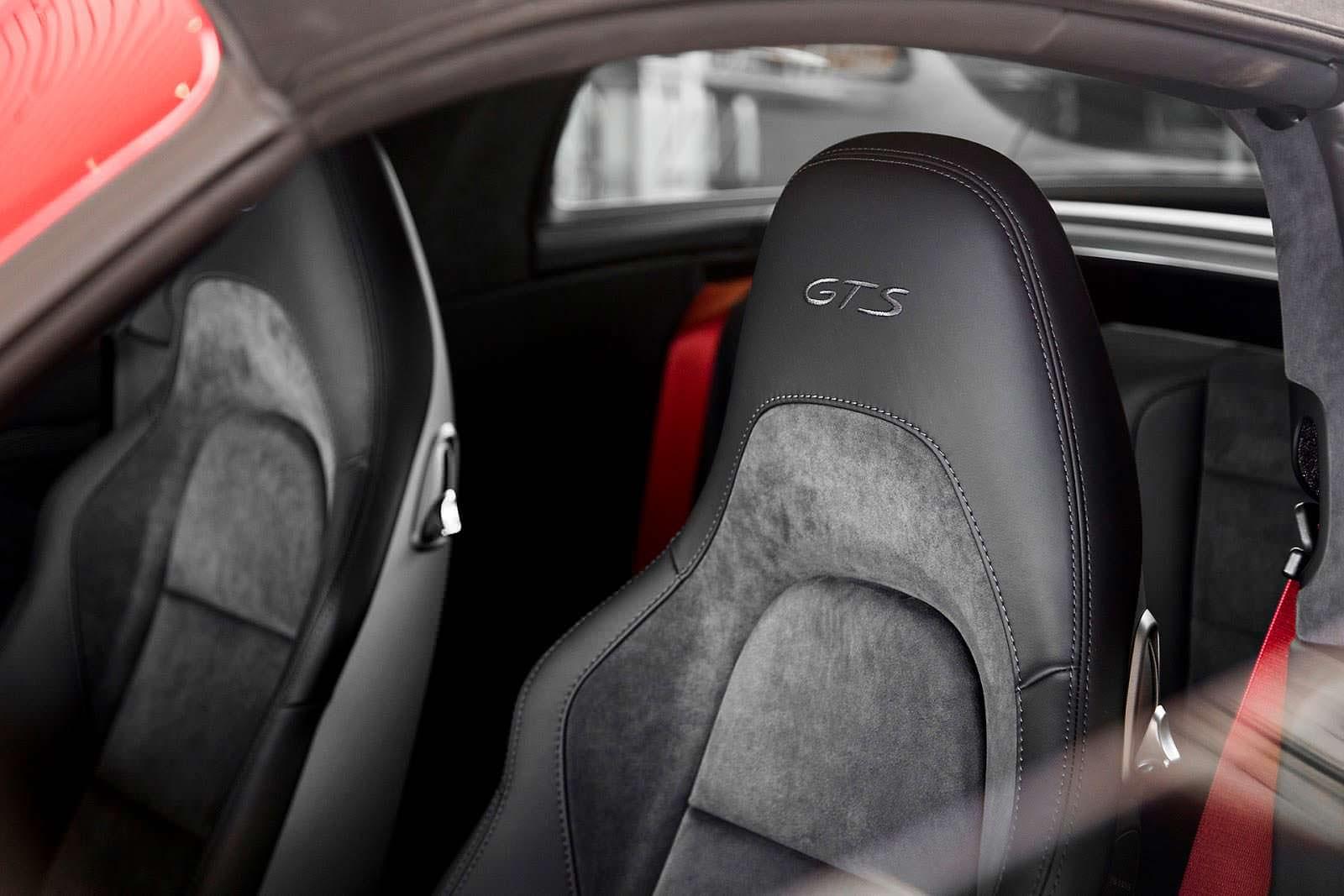 Сиденья Porsche 911 Targa 4 GTS