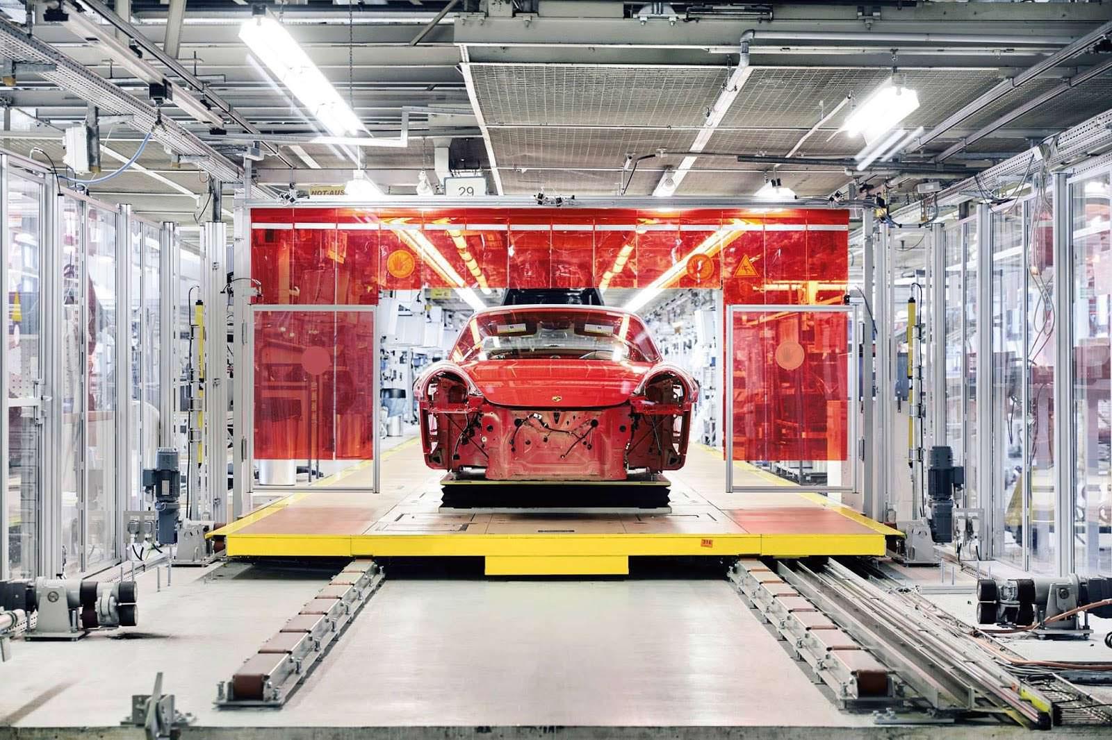 Сборка кузова Porsche 911 Targa 4 GTS