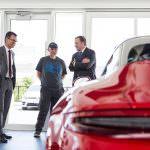 999999-я Porsche 911 Targa 4 GTS и владелец Роб Тената