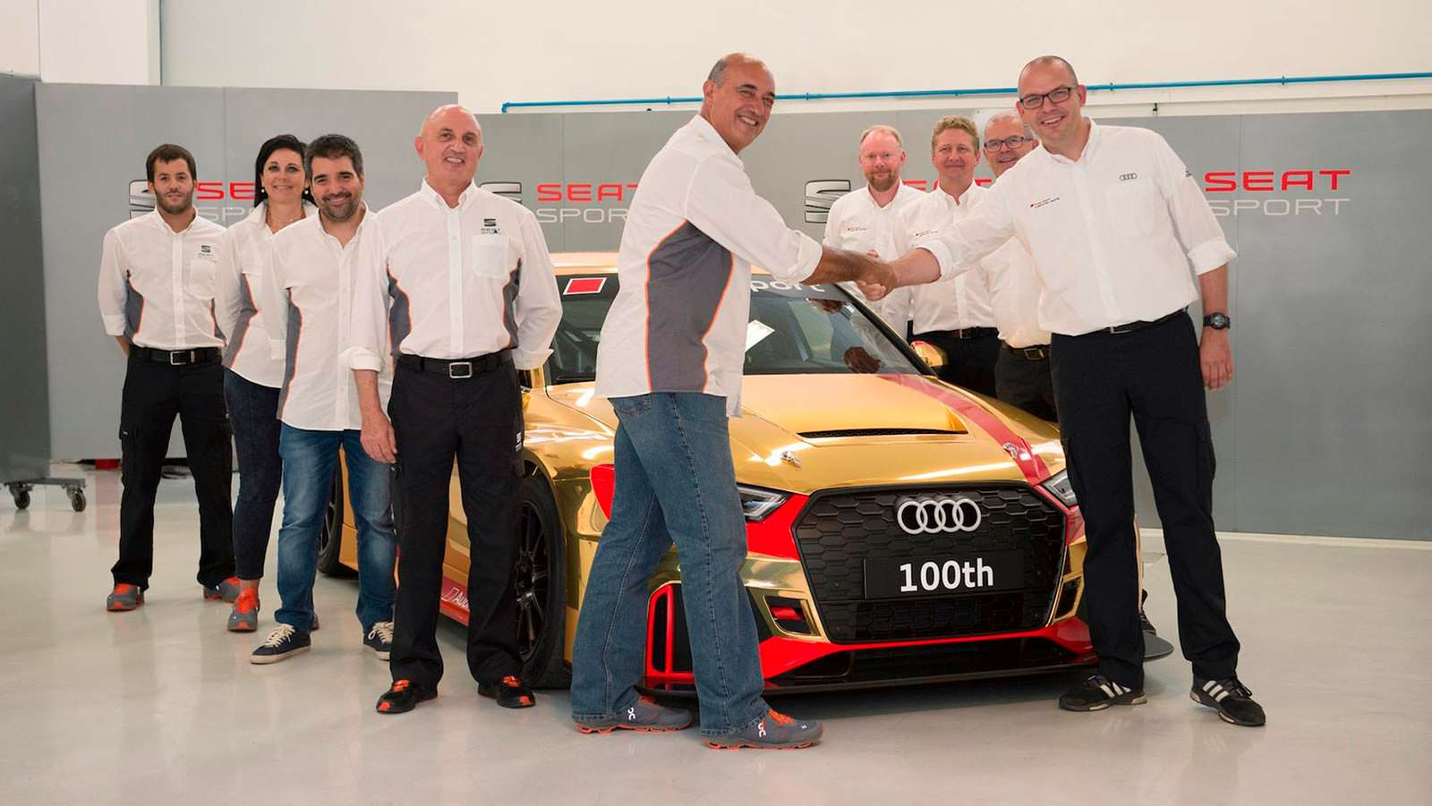 Фото   Гоночная Audi RS3 LMS