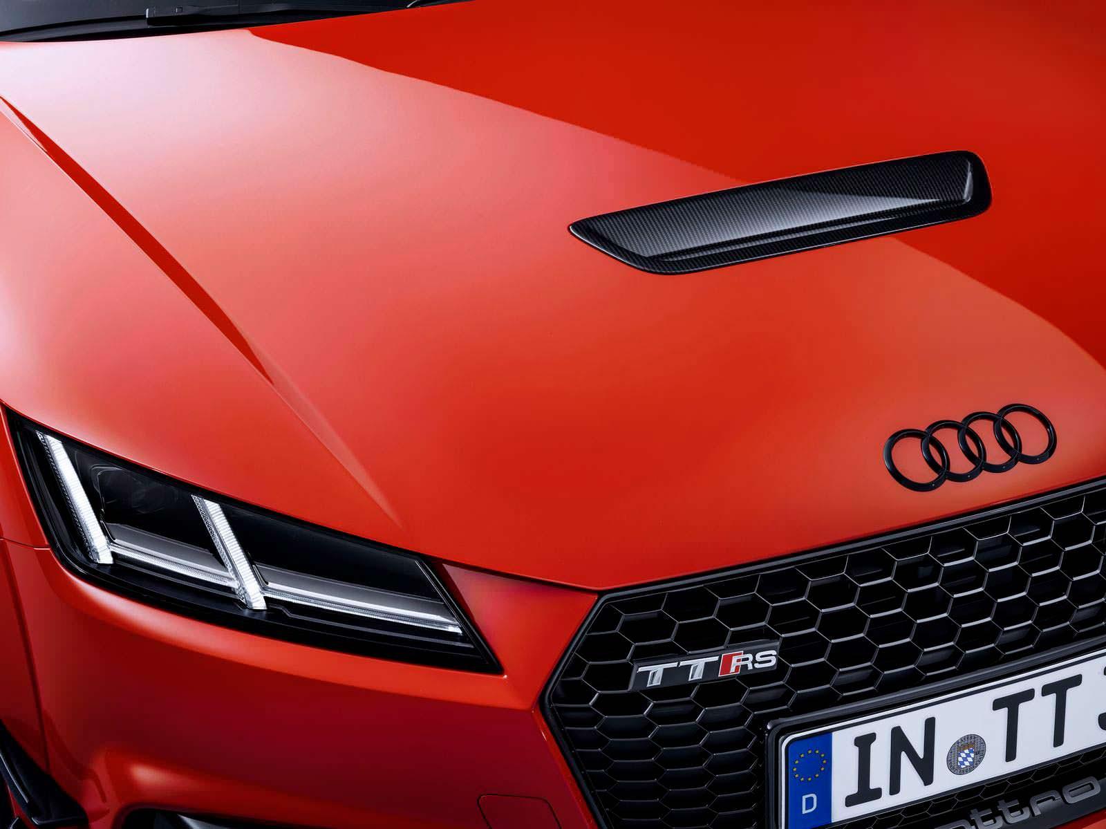 Вентилируемый капот Audi TT RS Performance