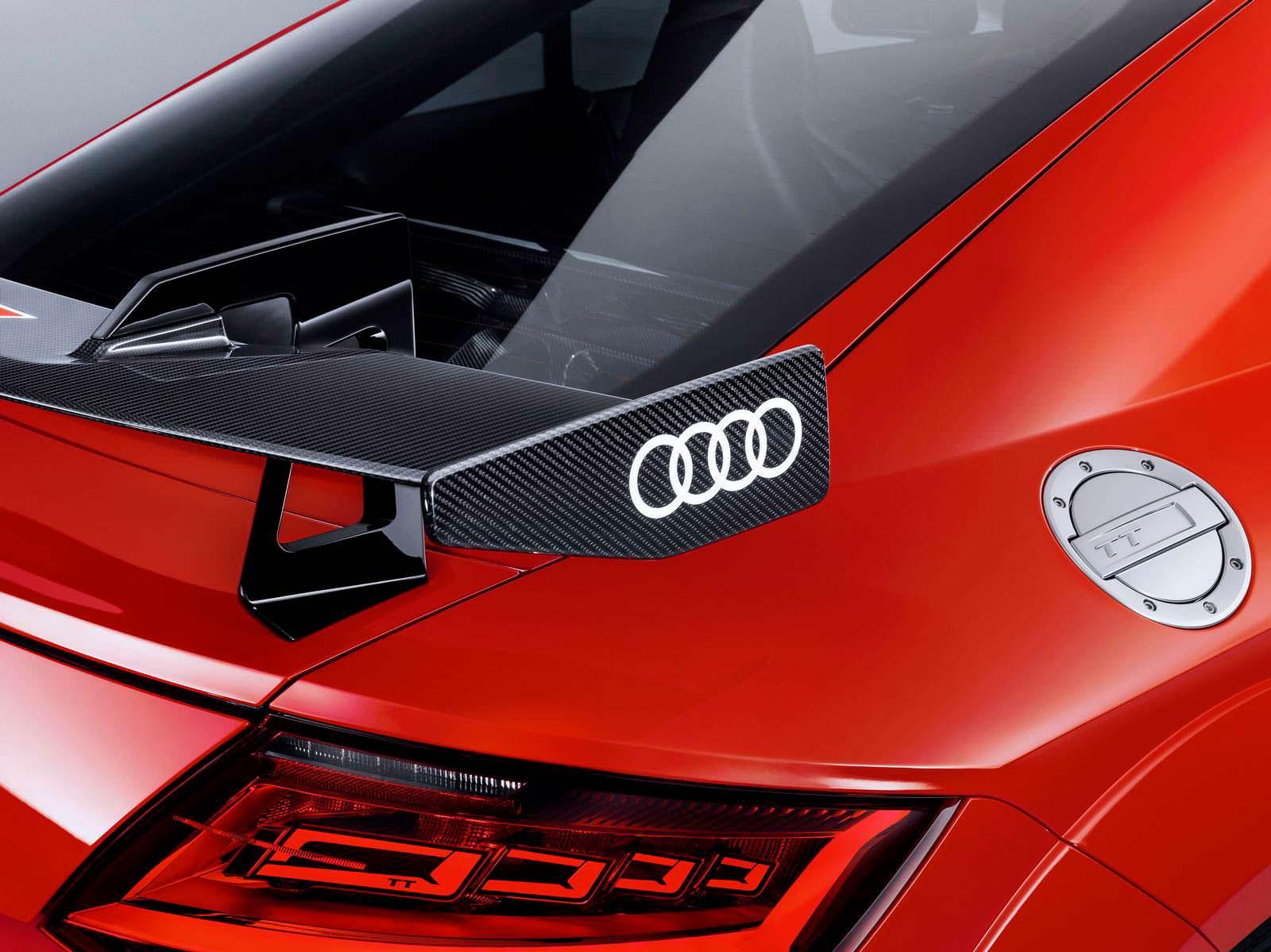 Углеродный спойлер Audi TT RS Performance