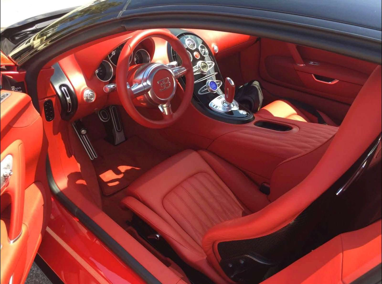 Фото | Интерьер Bugatti Veyron Grand Sport 2009 года