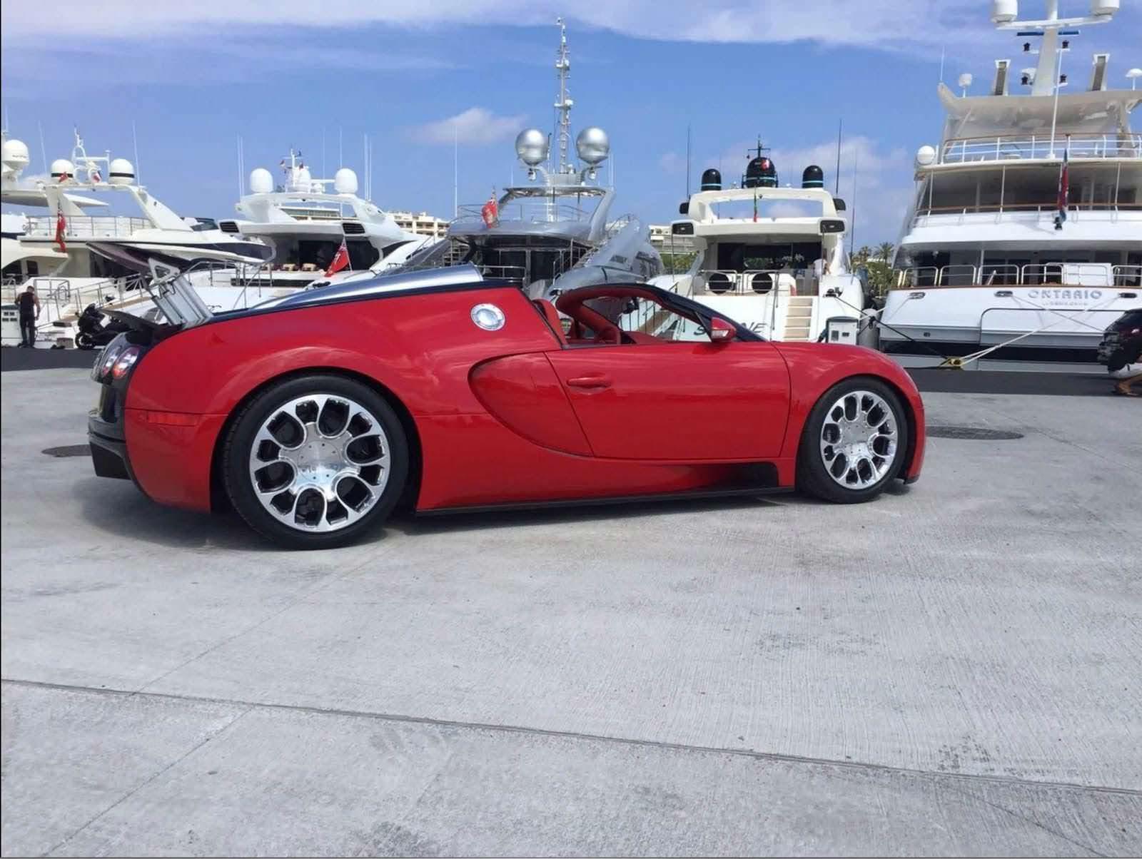 Bugatti Veyron Grand Sport 2009 года. Цена 1,5 млн евро