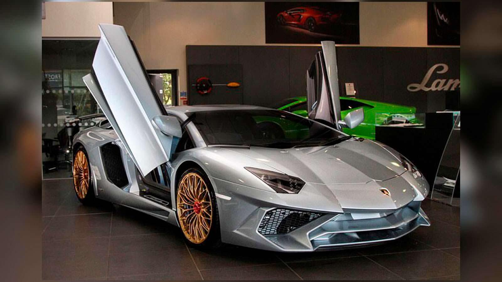 Последний экземпляр Lamborghini Aventador SV #600 из 600