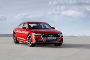 Представительский седан Audi A8 2018 года