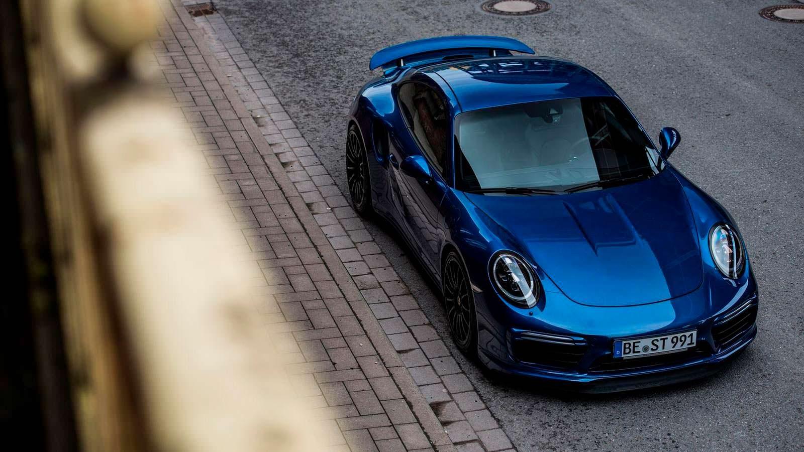 Тюнинг Porsche 911 Turbo S Exclusive Blue Arrow от Edo