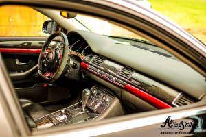 Фото салона Audi A8 D3 2004 года
