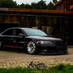 Фото | Чёрная Audi A8 D3 на дисках Radi8 R8T12