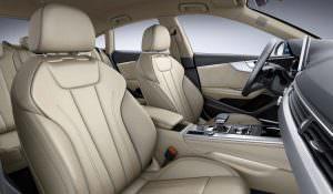 Светлая кожа в салоне Audi A4 Avant G-Tron