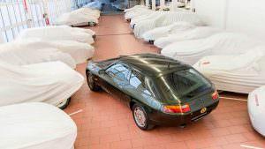 Porsche 928 в музее Порше в Штутгарте, Германия