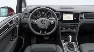 Фото салона Volkswagen Golf Sportsvan рестайлинг 2018 года