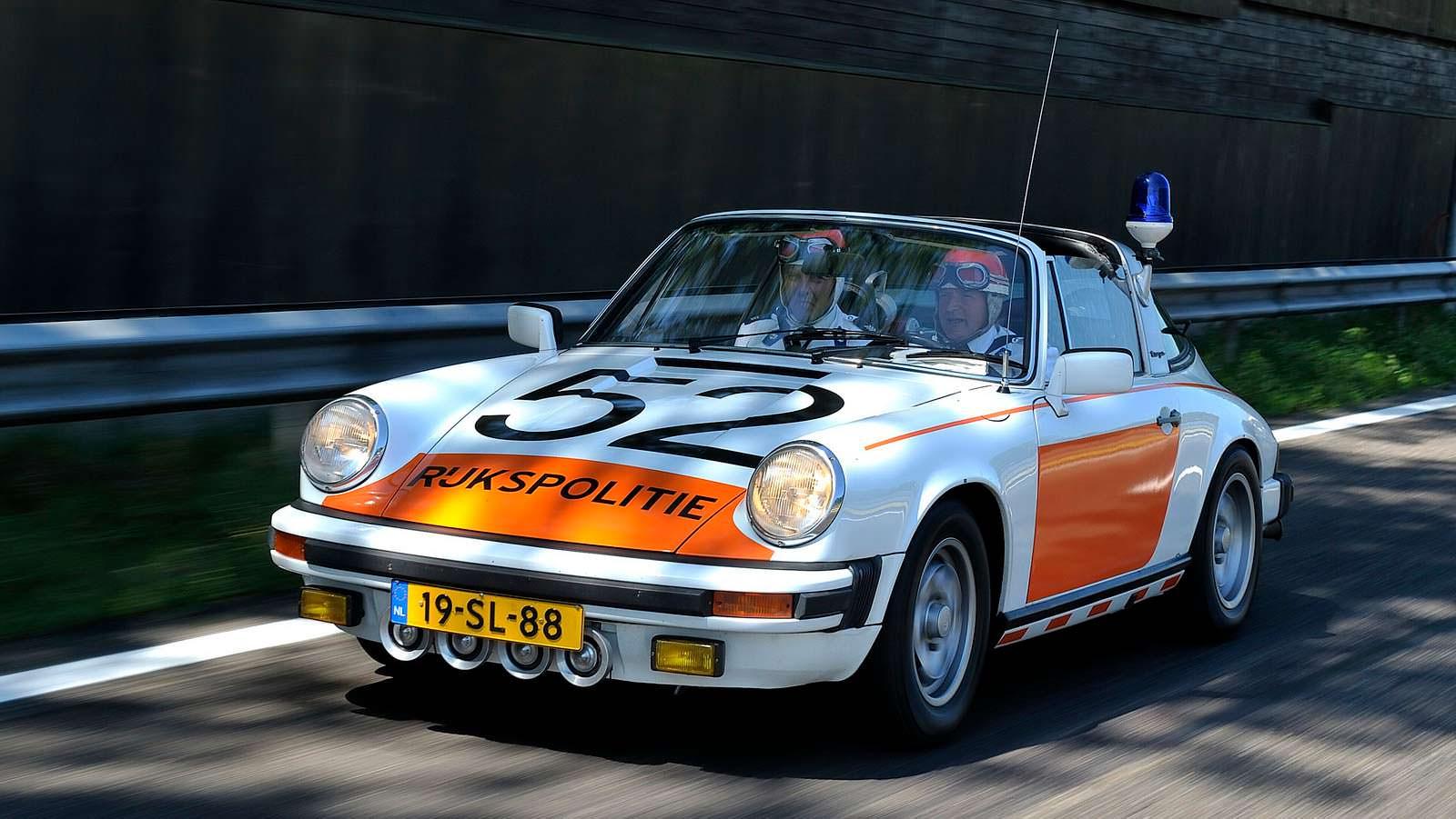 Полицейская Porsche 911 Targa на слете в Голландии