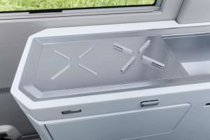VW California XXL: варочная поверхность на кухне кемпера