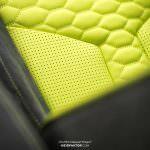 Неоновый желтый и алькантара в салоне Audi RS3 от Neidfaktor