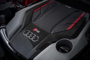 2,9-литровый двигатель V6 у Audi RS4 Avant Carbon Edition