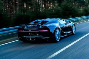 Хуан Пабло Монтойя разогнался до 420 км/ч на Bugatti Chiron