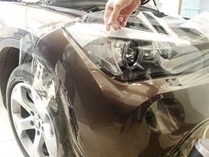 Поклейка защитной пленки на авто