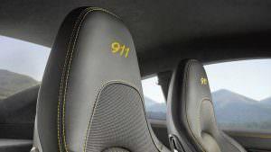 Спортивные сиденья 2018 Porsche 911 Carrera T