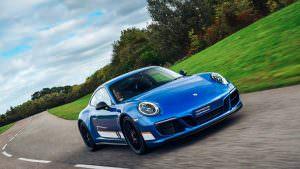 Спецверсия Porsche 911 Carrera 4 GTS British Legends Edition
