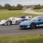 Синий Porsche 911 Carrera 4 GTS British Legends Edition