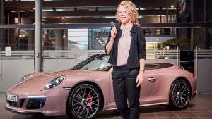 Теннисистка Лаура Зигемунд и Porsche 911 Carrera 4 GTS Cabriolet
