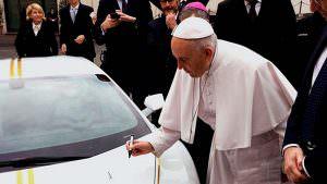Благославленный Lamborghini Huracan от Папы Римского